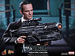 Hot Toys - Agent Coulson-197219_10151123350327344_486416913_n.jpg