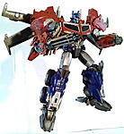 Beast Hunters OP With Weapons Upgrades-transformers-prime-beast-hunters-optimus-prime-bot-pose-7.jpg