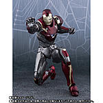 SH Figuarts Spider-Man (Homemade Suit Ver.) + Iron Man Mark 47-13.jpg