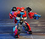Combiner Wars Autotrooper and Generations Cliffjumper-cliffjumperprimegen-002.jpg